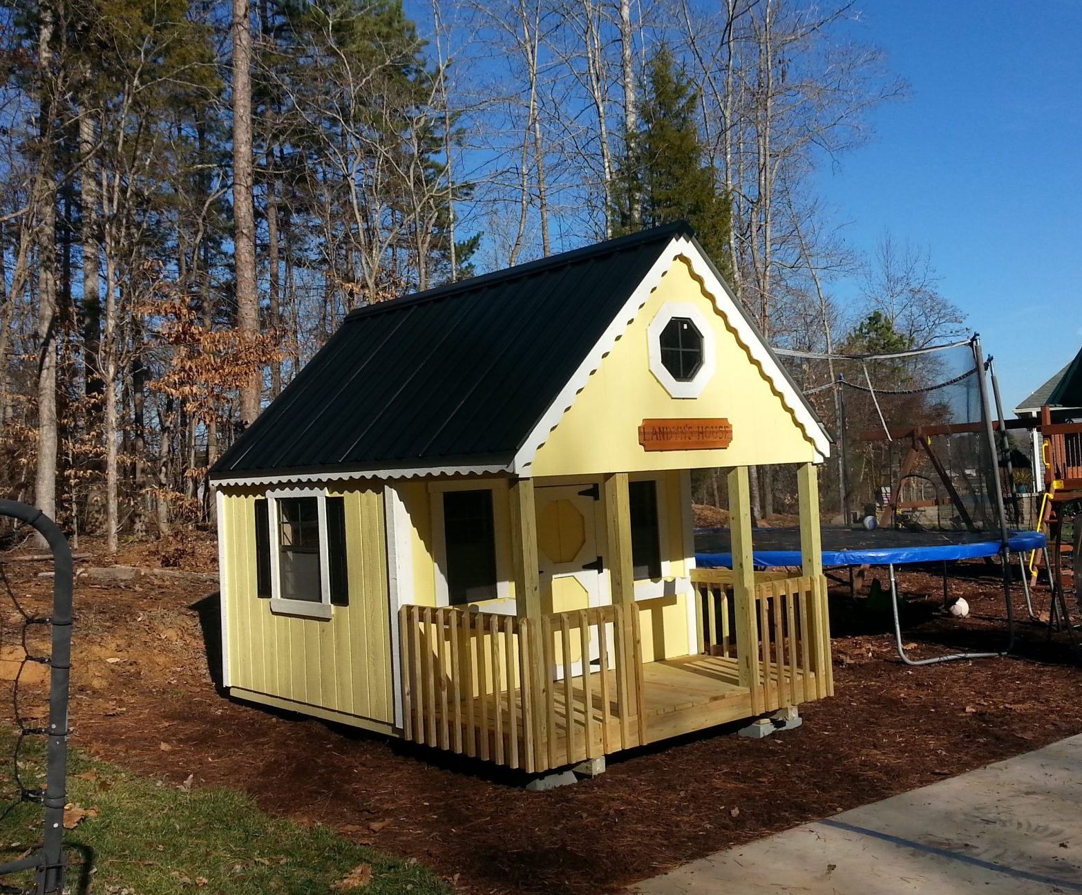 Cottage Style Playhouse (Yellow)